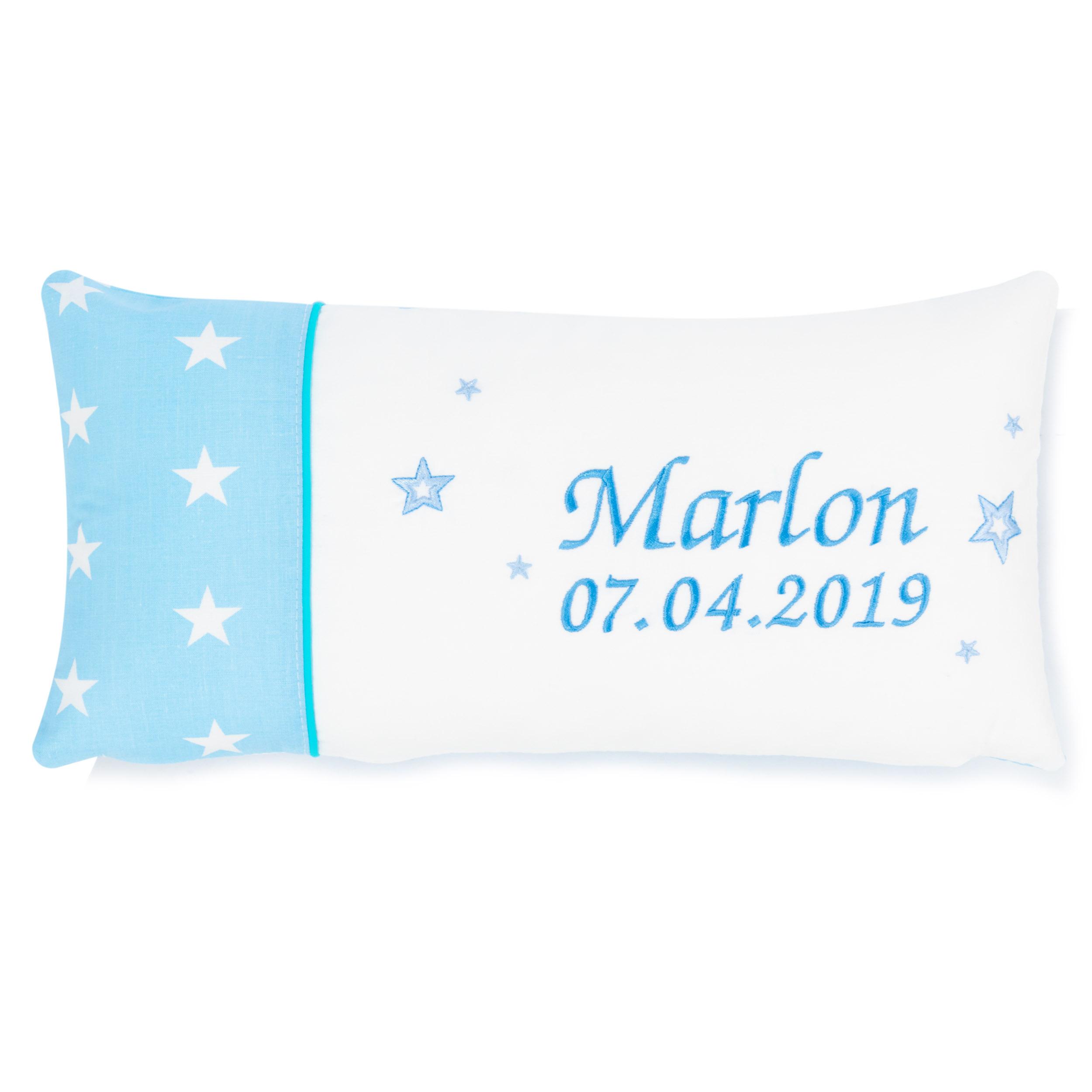 Kissen 40 x 20 cm mit Namen Datum Sternchen Hellblau Weiß